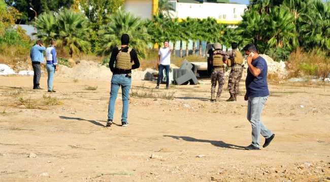 Antalya'da silahlı eylem yapan kişi, polis ekiplerince ikna edildi