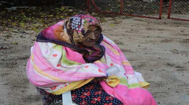 Antalya'da yangında mahsur kalan kadın kurtarıldı