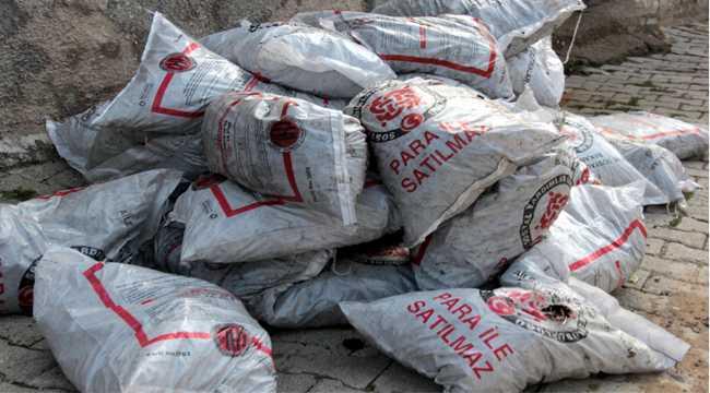 Beypazarı'nda yardıma muhtaç ailelere kömür yardımı yapılıyor