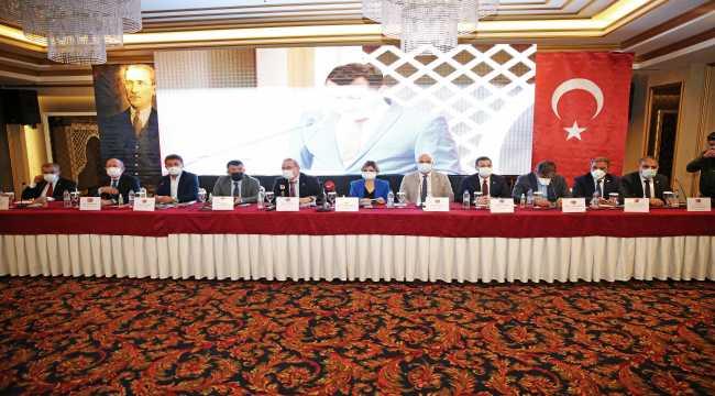 CHP Ekonomi Masası heyeti Adana'da iş dünyası temsilcileriyle buluştu