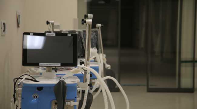 Doktor, yerli solunum cihazının üretimine katkı sağlıyor
