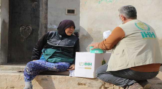 İHH ve Kuveyt IICO'dan İdlib'e gıda yardımı