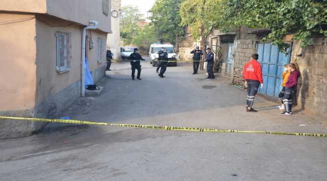 Kahramanmaraş'ta 21 yaşındaki kız sokakta ölü bulundu