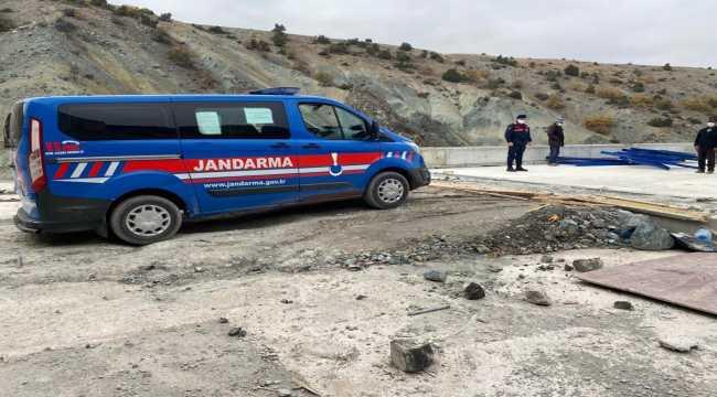 Kırıkkale'de YHT hattı inşaatından hırsızlık yaptığı iddia edilen 2 şüpheli yakalandı