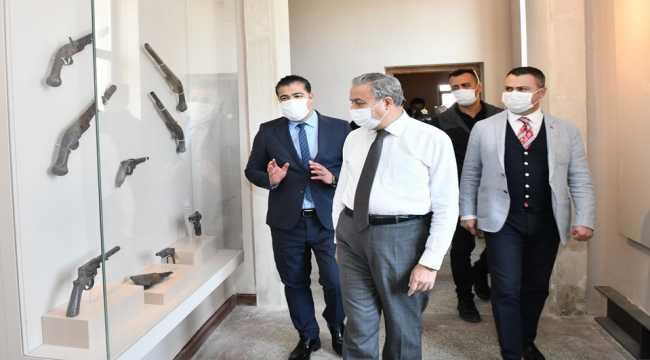 Mersin Valisi Ali İhsan Su'dan Tarsus'a ziyaret