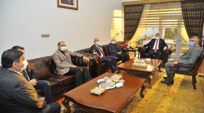 Osmaniye'de hayırseverlerden eğitime destek