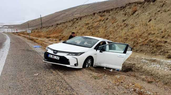 Sivas'ta trafik kazaları: 4 yaralı