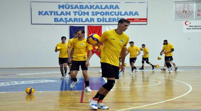 Sorgun Belediyespor Arhavi Voleybol maçı hazırlıklarını sürdürüyor