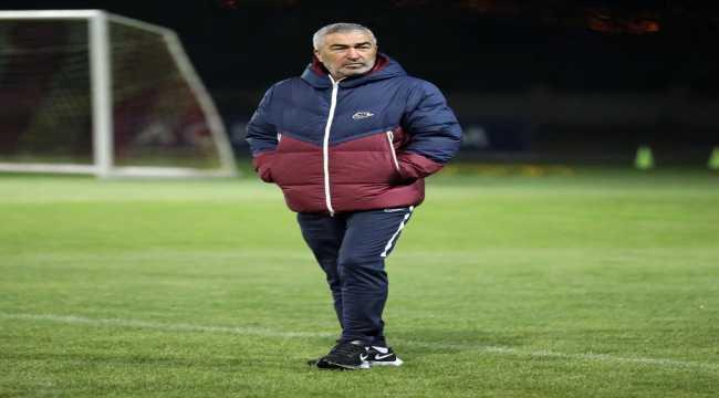 Teknik direktör Samet Aybaba, Kayserispor'da ilk antrenmanına çıktı