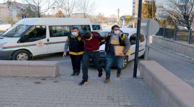 Aksaray'da evlerden ziynet eşyası ve motosiklet çaldığı öne sürülen zanlı tutuklandı