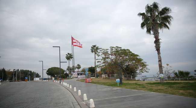 Antalya, Muğla, Isparta ve Burdur'da sokağa çıkma kısıtlamasıyla sakin bir gün yaşanıyor