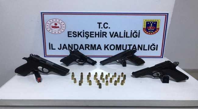 Eskişehir'de jandarmadan silah kaçakçılığı operasyonu