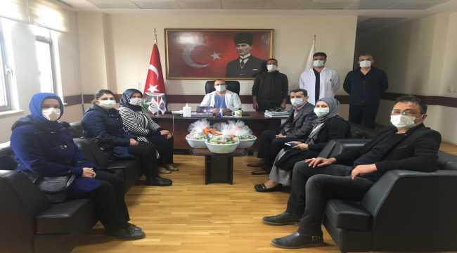 AK Parti Beypazarı Kadın Kolları Başkanlığından hastane ziyareti