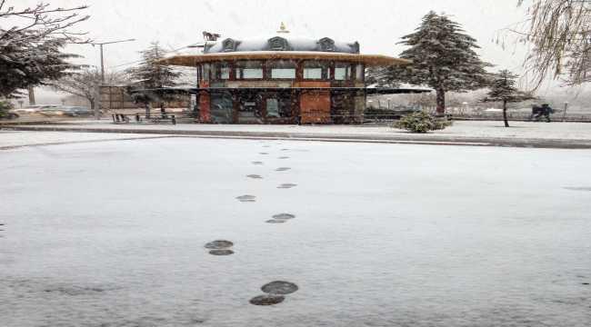 Aksaray'a mevsimin ilk karı yağdı