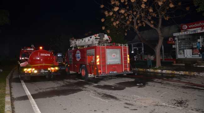Antalya'da iş yeri yangınını itfaiye söndürdü
