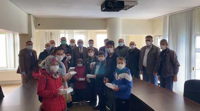 Eskil ilçesinde öğrencilere tablet dağıtıldı