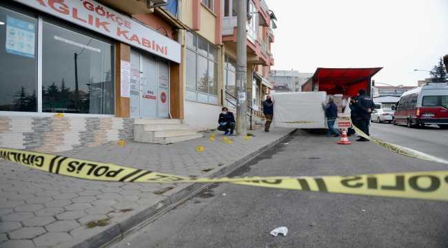 Eskişehir'de baba oğul kavgada bıçakla yaralandı