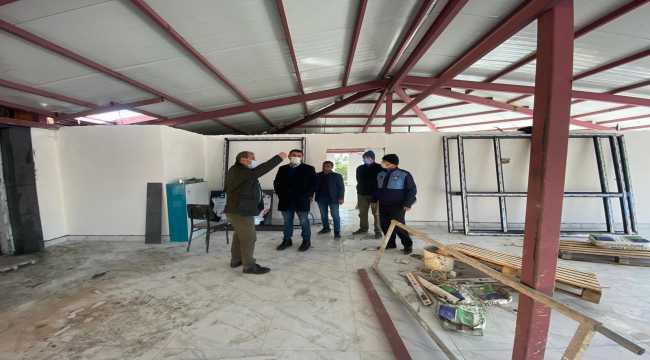 Kaymakam ve Belediye Başkanı, Hüyük Gençlik Merkezi inşaatını gezdi