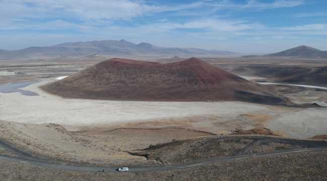 Meke Gölü Kuruyup çöle benzemeye başladı