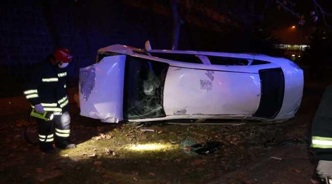 Yabancı uyruklu öğrenciler kiraladıkları otomobille kaza yaptı: 3 yaralı