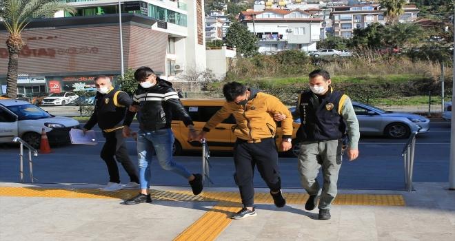 Alanya'da motosiklet hırsızlığıyla ilgili 3 kişi yakalandı
