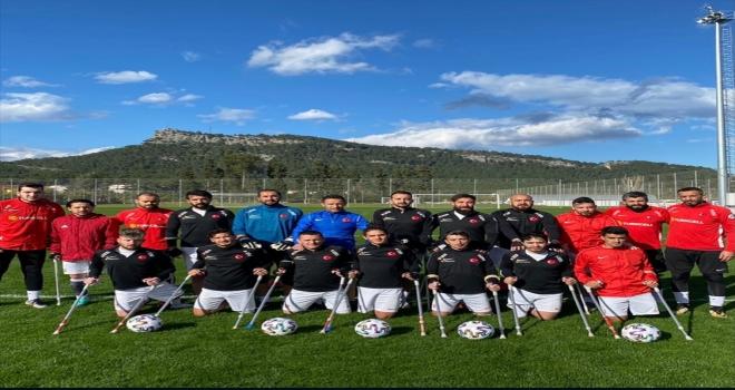 Ampute Milli Futbol Takımı, Avrupa Şampiyonası hazırlıklarına Antalya'da devam ediyor
