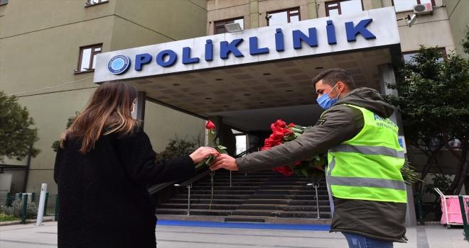 Ankara Büyükşehir Belediye Başkanı Yavaş'tan Sevgililer Günü'nde çiçekçi esnafına destek
