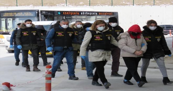 Eskişehir'de fuhuş operasyonunda 10 kişi gözaltına alındı