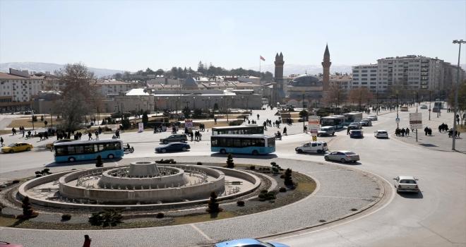 İç Anadolu'da hava sıcaklıkları mevsim normalleri üzerinde seyretti