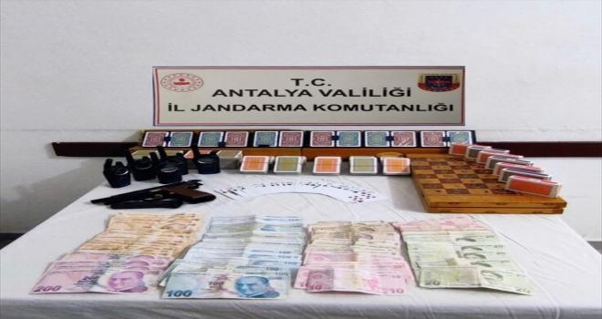 Jandarma kumar oynayanları suçüstü yakaladı