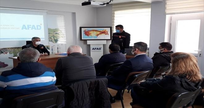 Kırşehir'de afet farkındalık eğitmenlerine güncelleme eğitimi verildi