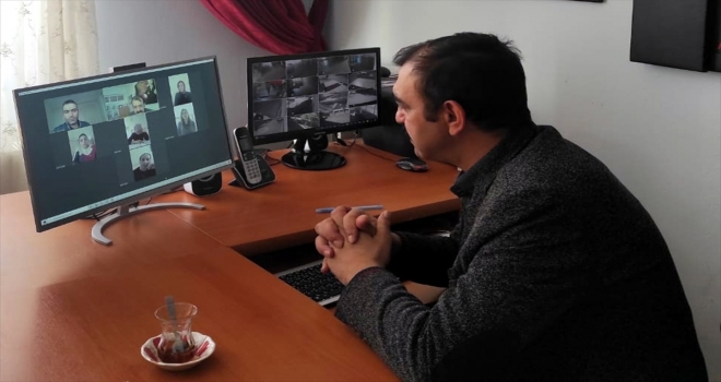 Kırşehir'de köy okulu öğretmenleri öğrencileri şiirle karşılayacak
