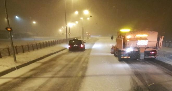 Kırşehir'de tipi ve kar etkili oluyor