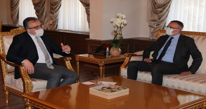 Nevşehir Belediye Başkanı Savran'a tebrik ziyaretleri sürüyor