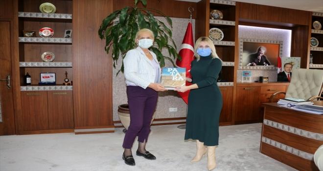 Prof. Dr. Havva İşkan Işık'a Patara'daki çalışmalarından dolayı