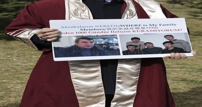 Türk akademisyenlerden, ailelerinden haber alamayan Uygur Türklerine destek