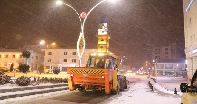 Yozgat'ta kar etkisini sürdürüyor
