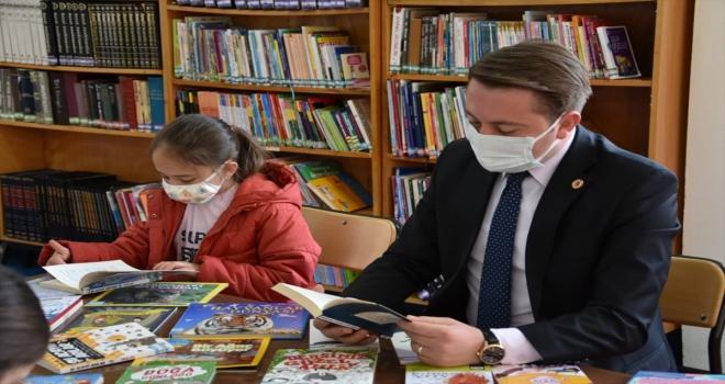 Akseki'de Kütüphane Haftası dolayısıyla okuma etkinliği düzenlendi
