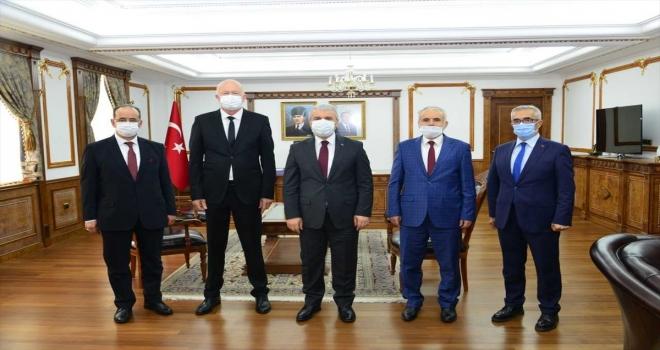 Bosna Hersek'in Olovo kentinden gelen heyet, Kırşehir Valisi Akın'ı ziyaret etti