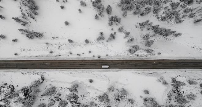 Kar yağışının etkili olduğu Toros Dağları drone ile havadan görüntülendi