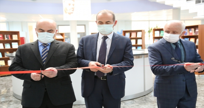 """Sivas'ta Kütüphaneler Haftası'nda """"Türkçe ve Yunus Emre Kitap Sergisi"""" açıldı"""