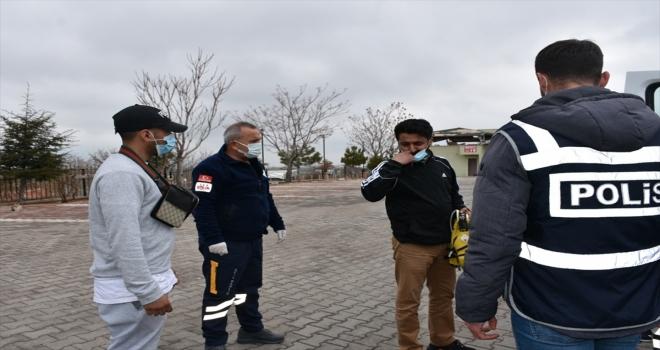 Aksaray'da karantinada olması gereken baba ve oğlu gezerken yakalandı