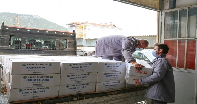 Akseki Belediyesinden ihtiyaç sahiplerine ramazan yardımı