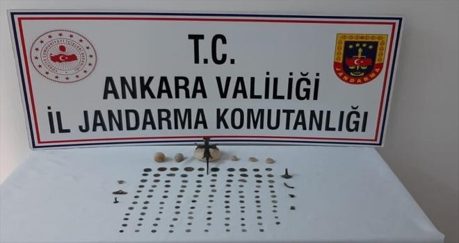 Ankara'da jandarma ekiplerince 134 parça tarihi eser yakalandı