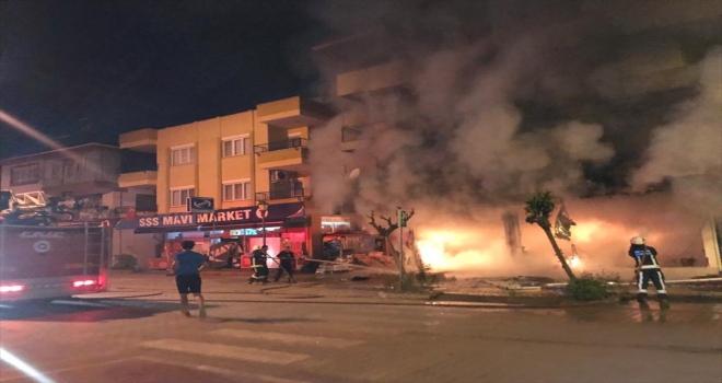 Antalya'da eczanede çıkan yangın hasara yol açtı