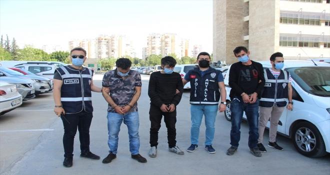 Antalya'da kablo hırsızlığı iddiasıyla yakalanan 3 zanlı tutuklandı