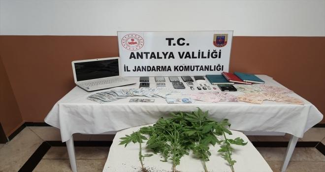 Antalya'da yasa dışı bahis operasyonunda 6 kişi gözaltına alındı