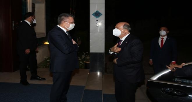 Cumhurbaşkanı Yardımcısı Oktay, KKTC Cumhurbaşkanı Tatar ile bir araya geldi