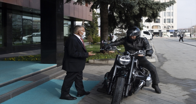 Eski Bakan Kürşat Tüzmen, Başkan Memduh Büyükkılıç'ı ziyaret etti