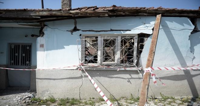 Eskişehir'de tek katlı evde helyum gazından kaynaklanan patlama hasara yol açtı